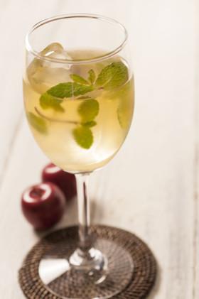 きび酢のリンゴジュース割りの画像